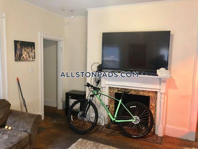 Allston 9 BEDS 3 FULL BEAUTIFUL BATHS on Pratt Street!!! Boston - $11,250